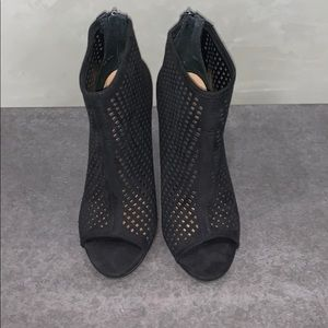 CHINESE LAUNDRY BLACK OPEN TOE HIGH HEEL SHOES 9